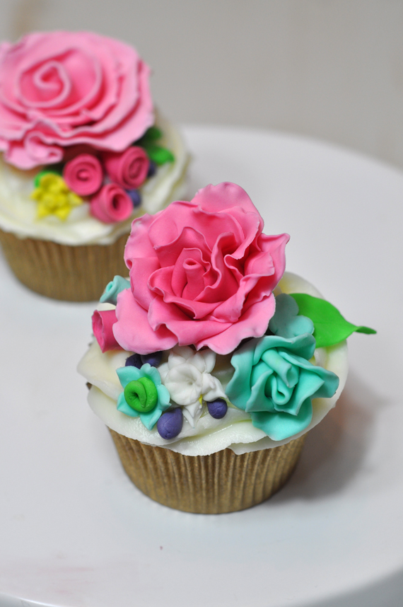 curso de cupcakes de flores rosas con varias tecnicas