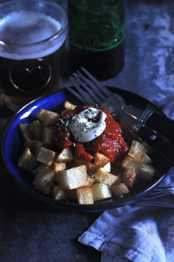 patatas bravas con salsa receta
