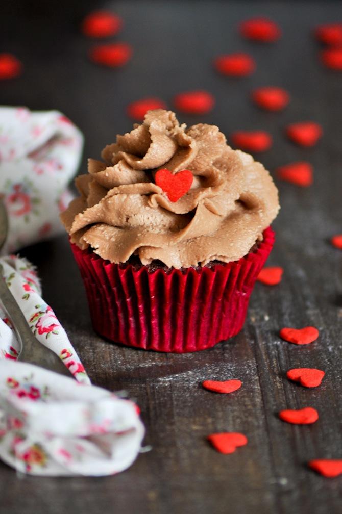 receta de cupcakes de ferrero rocher y crema de mantequilla suiza con nutella