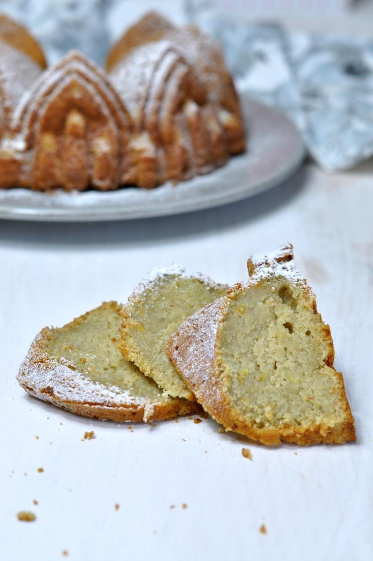 bundt cake de platano porcion.jpg