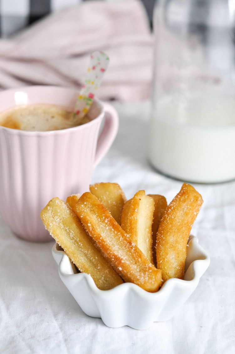 churros caseros con azúcar y canela