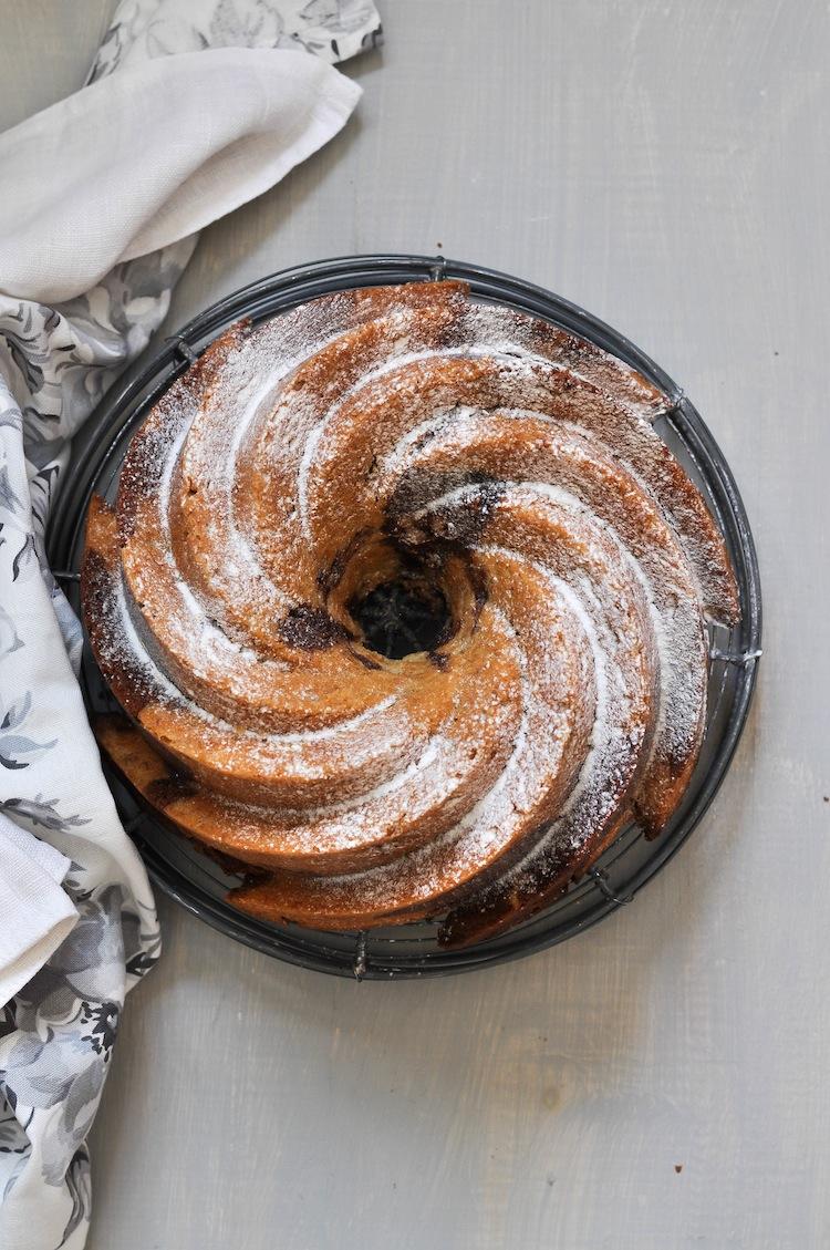 bundt cake de platano y nutella en molde heritage de nordicware