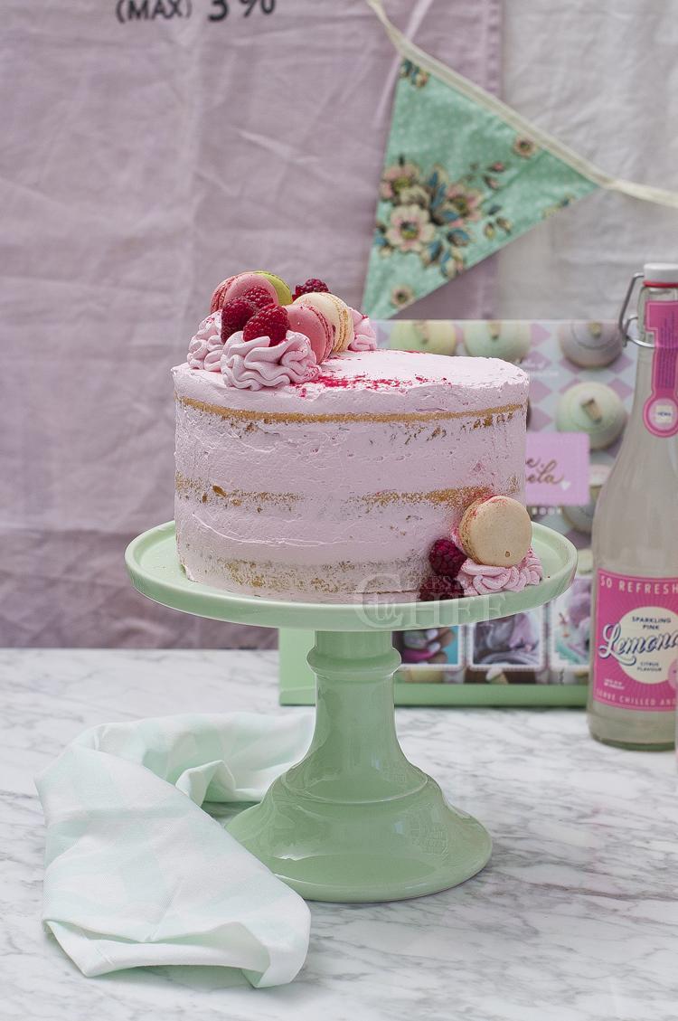 tarta frambuesas y limon con macarons