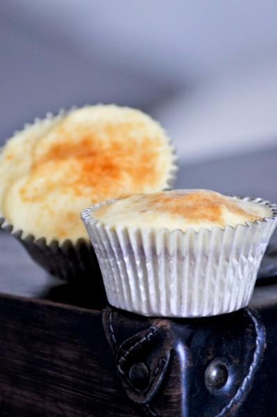 cupcakes creme brulee y framubesas