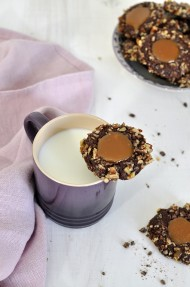Chocolate pecan turtle cookies (Galletas de chocolate, caramelo y pecanas)
