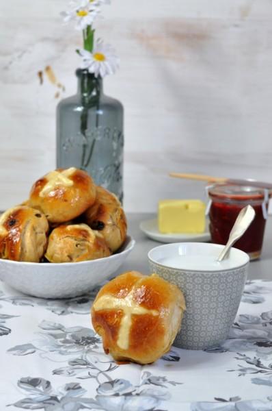 hot cross buns con mermelada.jpg