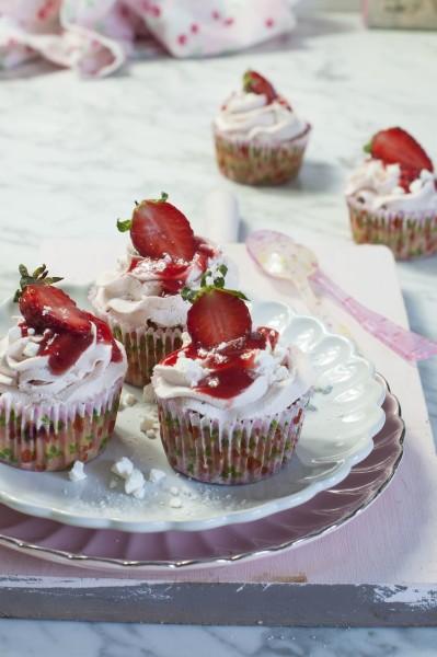 cupcakes eton mess fresa y merengue