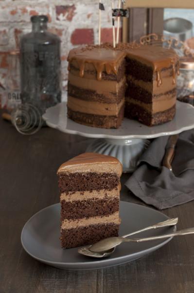 tarta-de-chocolate-y-caramelo-salado-banderitas